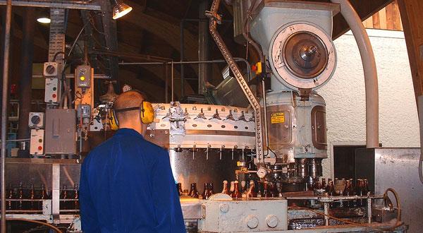 metalmeccanici in fabbrica